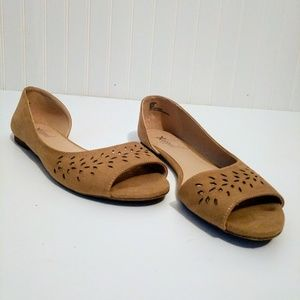Xappeal Nude Faux Suede Open Toe Flat Shoes 9.5M